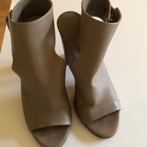 Vince Addie Leather open toed bootie in taupe
